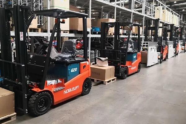 诺力电动叉车为安徽某电器企业提供智能物流仓储设备